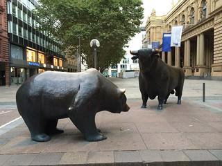 牛市 熊市 法蘭克福證券交易所前雕像